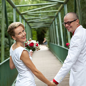 Motto-Hochzeit weiß-rot