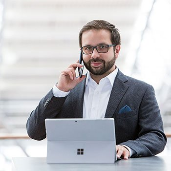 inszeniertes Portrait für Unternehmenskommunikation