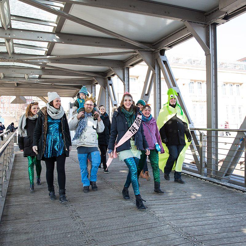 JGA Shooting Hamburg, Junggesellinenabschied Fotoshooting Hamburg, professionelle JGA Fotos, JGA Fotos Hamburg, Fotografin Hamburg, JGA Fotoshooting Hafen, JGA Shooting Hamburger Hafen, authentische JGA Portraits, Junggesellinnen Portraits, Fotoshooting Junggesellinnen
